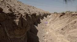 阻汽車炸彈 伊拉克在前IS佔領地挖壕溝