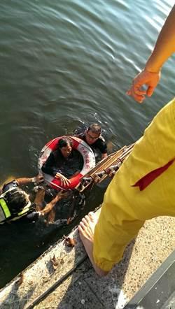 安平運河沿線公車站掛救生圈 今及時救活落水者