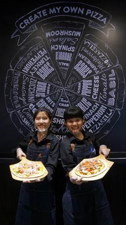 首見自由配披薩店 Plus Pizza 三分鐘烤出披薩