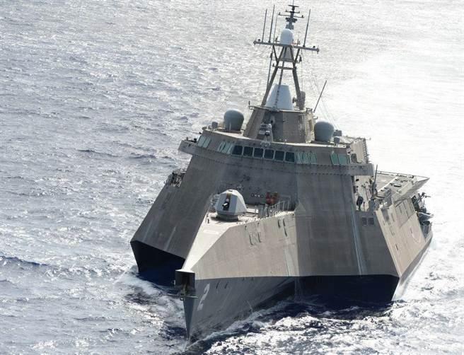 美國濱海作戰艦科羅拉多號在2016環太軍演試射魚叉飛彈卻失敗。圖為同型艦LCS-2獨立號。(圖/美國海軍)