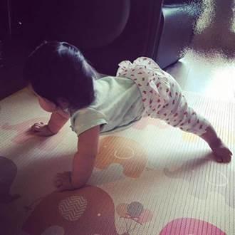 舞蹈基因神遺傳!劉真5月女兒自學「平板撐」