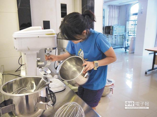 「向日葵少女」職業訓練所預計10月開幕,教導少女烘焙、美容美髮、飯店房務等課程。(陳柔瑜攝)