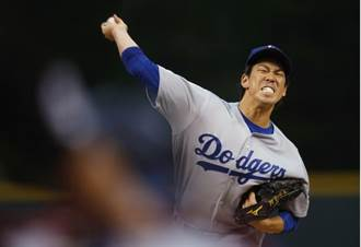 MLB》前田健太菜鳥年奪10勝 道奇隊史第13人