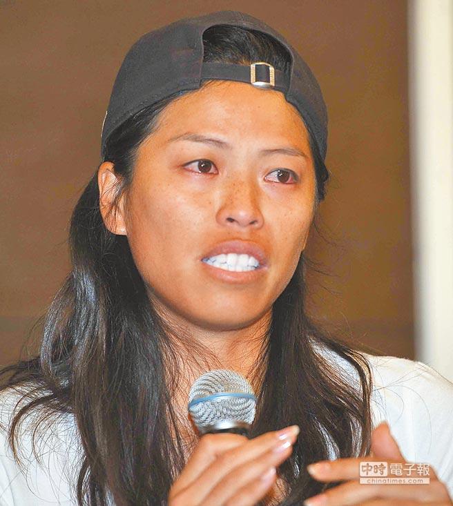 台灣網球女將謝淑薇曾聲淚俱下召開記者會訴苦,4日在臉書宣布:從今天開始,全面從台灣網壇退休。(圖/中時資料照)