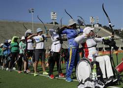 里約奧運》打破回教國家紀錄 伊朗出首位女性掌旗官
