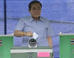 泰國新憲公投 軍方派較佔優