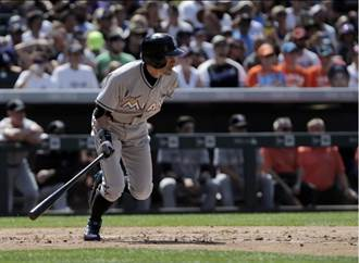 MLB》鈴木一朗敲安了!3000安終達標