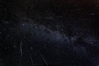 外太空病毒入侵? 專家:新冠病毒靠流星來到地球