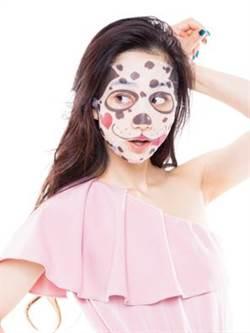 用動物面膜搞怪已經不稀奇,改敷台灣本土文創與韓國品牌結合首創的霹靂面具面膜才促咪!