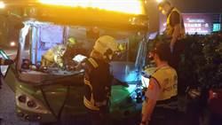 統聯司機疑疲勞駕駛 自撞護欄6人送醫