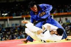 里約奧運》雖敗猶榮 難民隊柔道選手和世界冠軍交戰