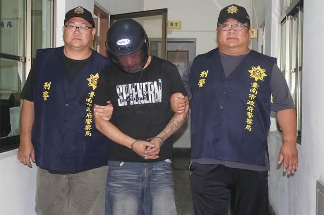 綽號北門彬的王姓嫌犯,依殺人未遂及違反槍砲彈藥刀械管制條例移送法辦。(莊曜聰攝)