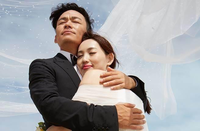 王寶強曾透露馬蓉讓她感到愛情很美,如今卻令人感嘆回不去了。(圖/取材自王寶強微博)