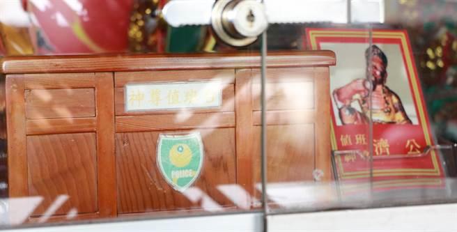 今年中元節的值班神尊,是酒不離身的濟公活佛。(謝佳潾攝)