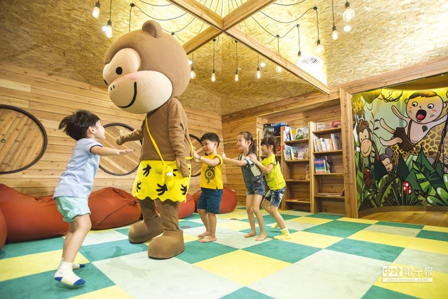 〈芬朵奇堡〉的吉祥物,會不定時出現在〈窩窩樂〉陪伴小朋友玩樂。圖/蘭城晶英酒店
