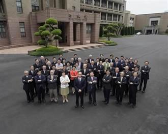 小英政府將滿百日 臉友最不滿「這八位閣員」