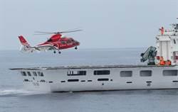 海巡桃園艦完成直升機起降
