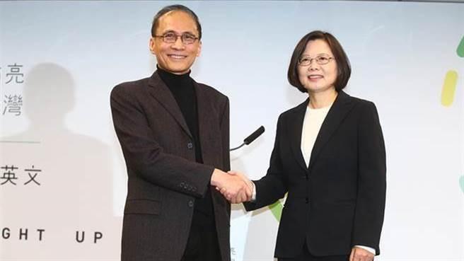 總統蔡英文(圖左)、行政院長林全。(資料照/陳信翰攝)