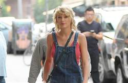 缺席VMA原因曝光 泰勒絲擔任強姦案陪審員