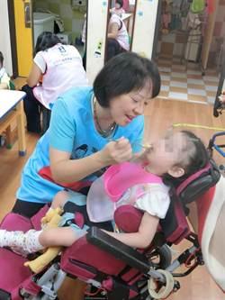 台中市長夫人當志工 助慢飛兒邁向成長路