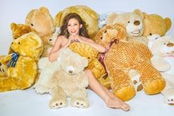 愷樂半裸熊抱曬性感 接2節目4跨年賺滿滿