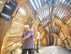 北海岸藝術祭 漂流木變古船 藝品散落山海間
