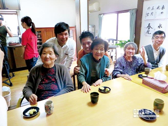 日本許多社區型的居家日照中心,可以讓不同世代、不同族群互相交流。圖/本報資料照片