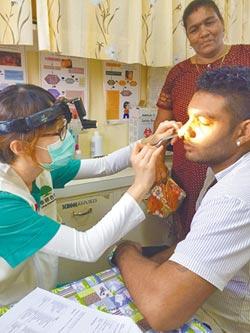 開刀助病患用鼻子呼吸 國泰醫療團送愛到斐濟