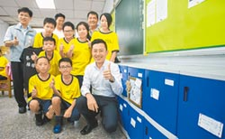 竹市府砸逾400萬元設置 「1萬個櫃子」讓書包輕一點