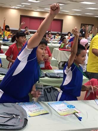 參加衛生小天使活動獲得郭婞淳奧運簽名帽 原住民小朋友樂翻了