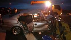 疑天雨路滑失控 五楊高架轎車自撞1死1傷