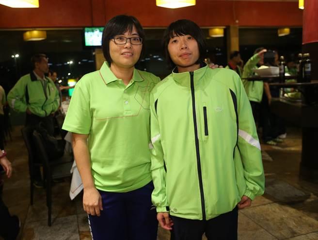 運動防護師蘇玟姜(左)用心與中華隊柔道女將李凱琳(右)「搏感情」,除了為她顧身體,還為她顧心理,更成為她征戰帕運的重要支柱。中央社記者張新偉里約攝 105年9月9日