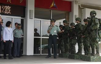 慰勞陸軍542旅 蔡總統:立即汰換老舊裝備