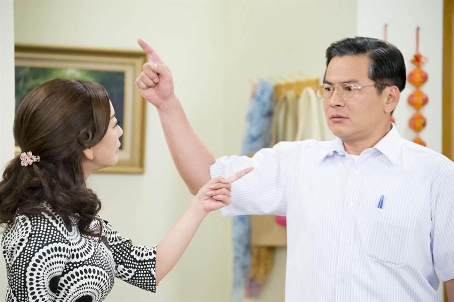 馬國賢(右)和楊繡惠互賞巴掌。(台視提供)