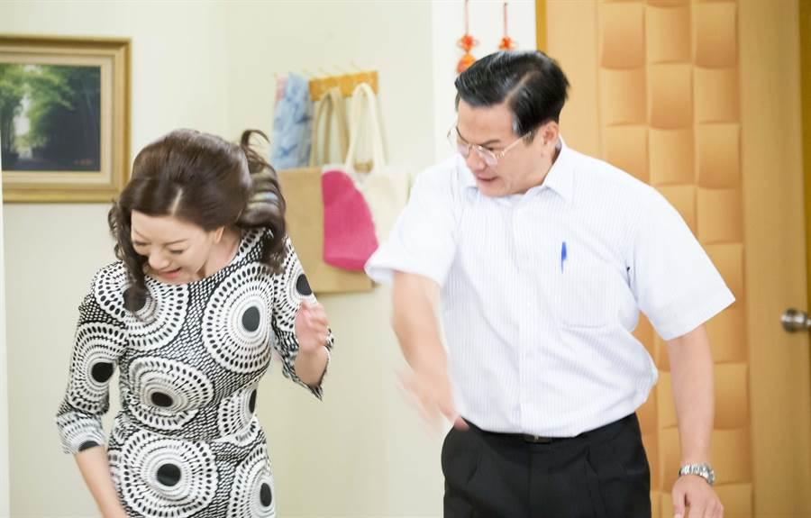 劇中被網友封為「軟弱教主」的馬國賢,忍了一輩子終於動手摑掌老婆,沒想到仍然沒佔到便宜。(台視提供)