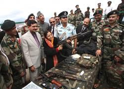 印度軍棄國產槍改用AK-47