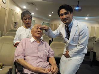 老翁視力突模糊  腦膜動靜脈廔管引起
