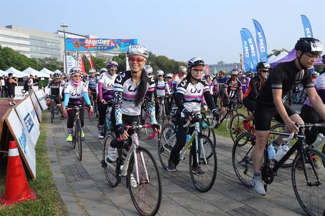 今天吸引超過400位單車愛好者參加!(陳世宗攝)