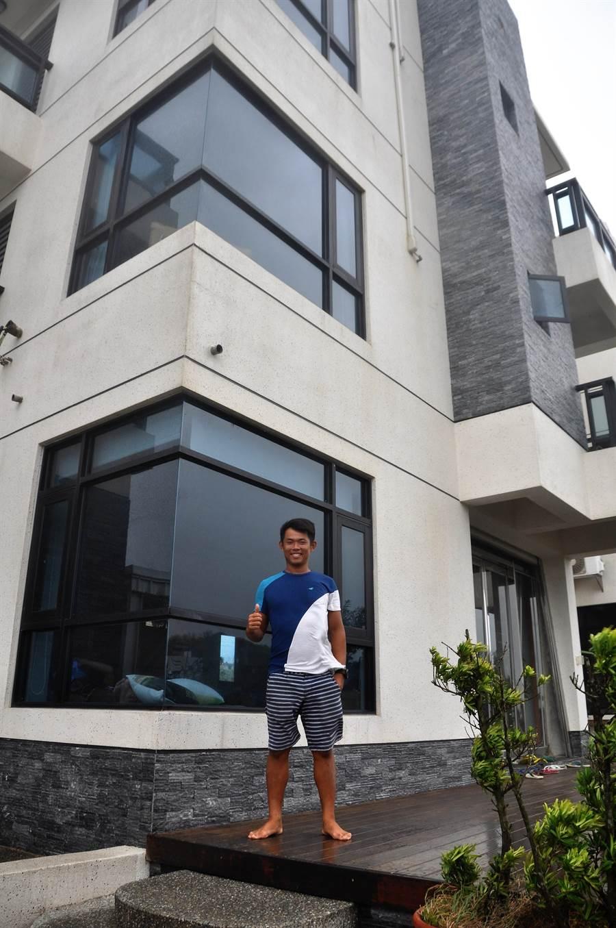 張浩的「愛玩水」民宿是外籍選手的避風港。(葉士弘攝)