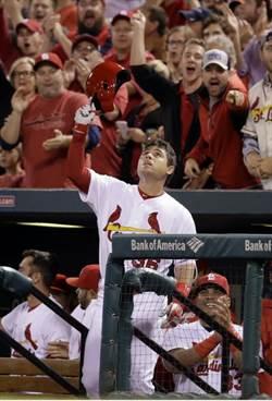 MLB》悼念小費 兒時好友狄亞茲敲出滿貫炮