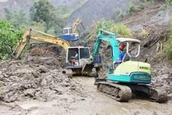 【颱風災情】燕巢驚傳民宅遭土石流淹沒 警消搶救失蹤3人