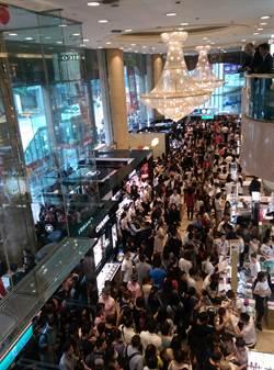新光三越南西店周年慶開跑 首日湧10萬人潮