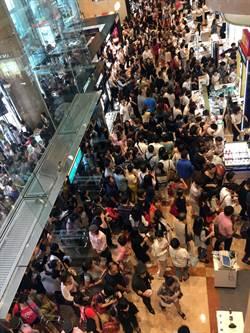 新光三越南西週年慶首日 人潮上看10萬