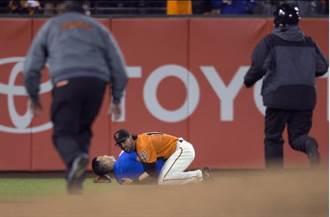 MLB》這哪招啊?帕岡制伏球迷 全場叫好