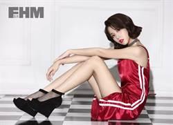 邵雨薇享受身體表演 復古美女扮相好有型