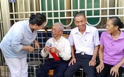 嘉義最年長鄰長 103歲人瑞熱心服務