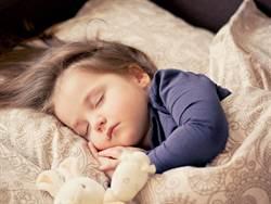 培養獨立、提升睡眠品質?4大訓練寶寶獨睡的方法!