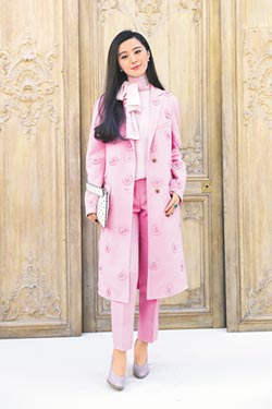 2017巴黎時裝周-巴黎女神鬥靈氣 范爺現身Valentino大秀 王菲獨厚愛牌Celine