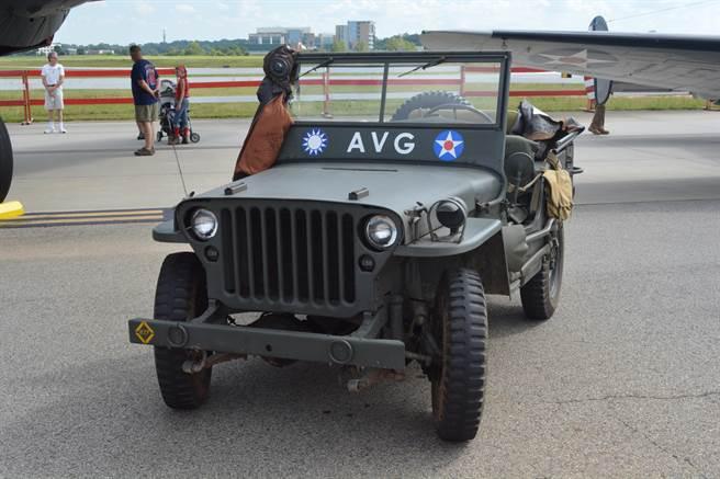戰鷹周末的現場,出現了一輛志願隊塗裝的美軍威利吉普車。(許劍虹攝)