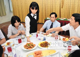 水試所、東專研發 白蝦料理上桌